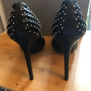 Alexander McQueen Shoes - Alexander McQueen studded Pumps